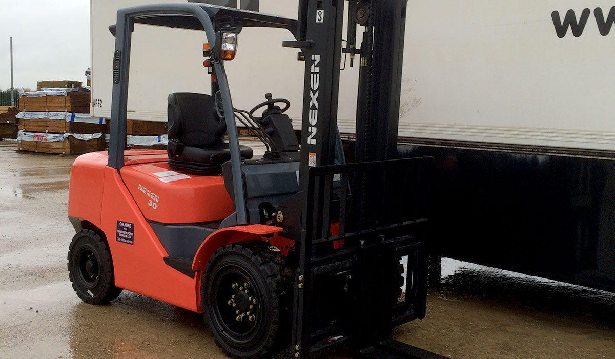 K&M Tyres | Industrial Tyres-Forklifts-Telehandlers-Supply-Fitting-Suffolk-East Anglia