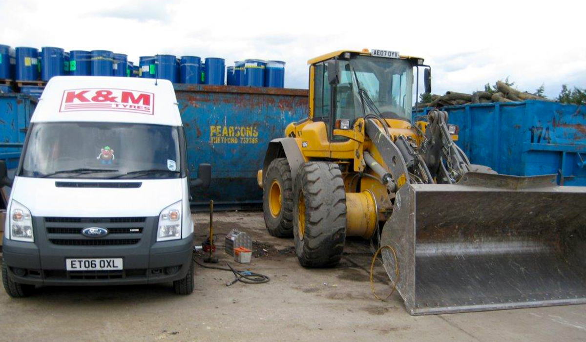K&M Tyres | Earthmover Tyres-JCB-Supply-Fitting-Suffolk-East Anglia